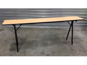 Table pliante 200 cm X 40 cm H75