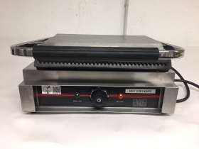 Grill Panini steak croque   220V  1.7kwh